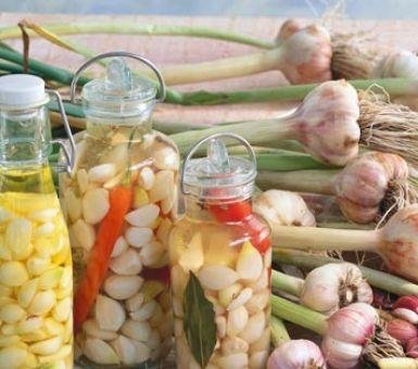 Консервация чеснока на зиму: самые удачные рецепты