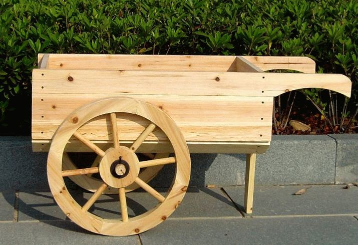 деревянная декоративная телега