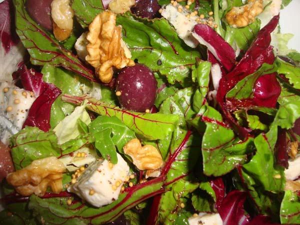 салат с ботвой свеклы