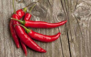 Польза и вред горького красного перца