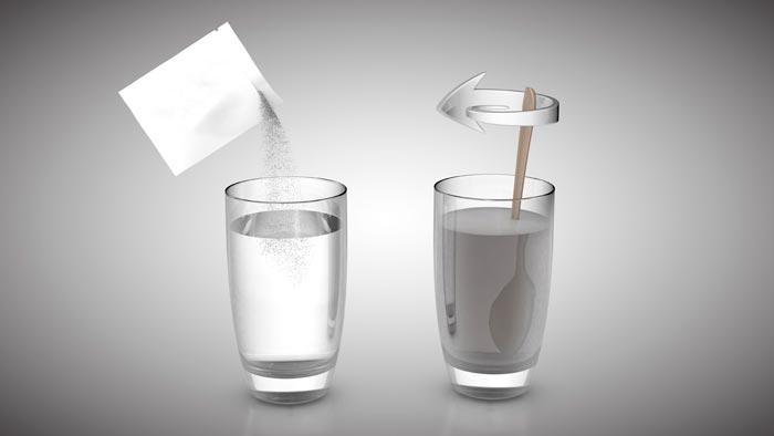 сахар в стакане